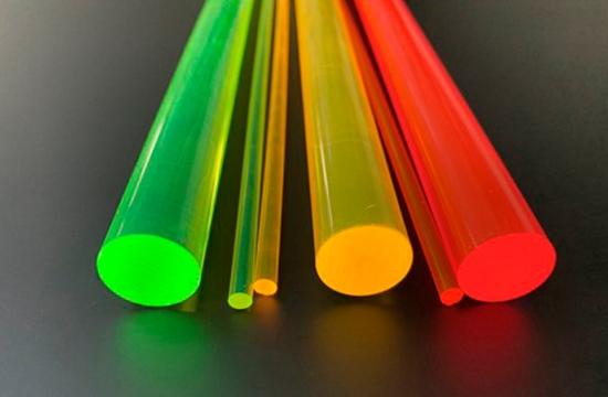 barra de metacrilato en color