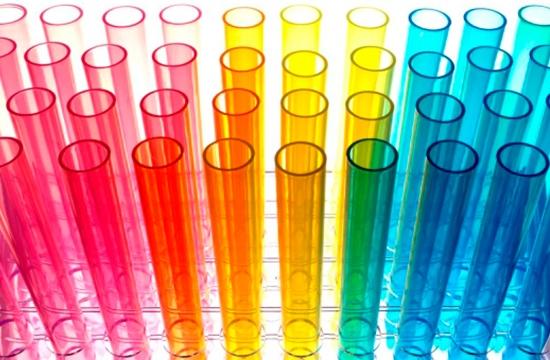 tubo de metacrilato en color